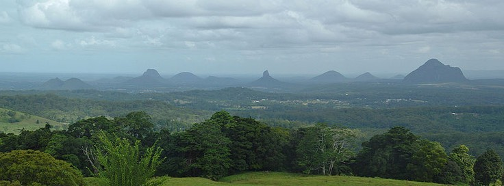 800px-Glass House Mountains